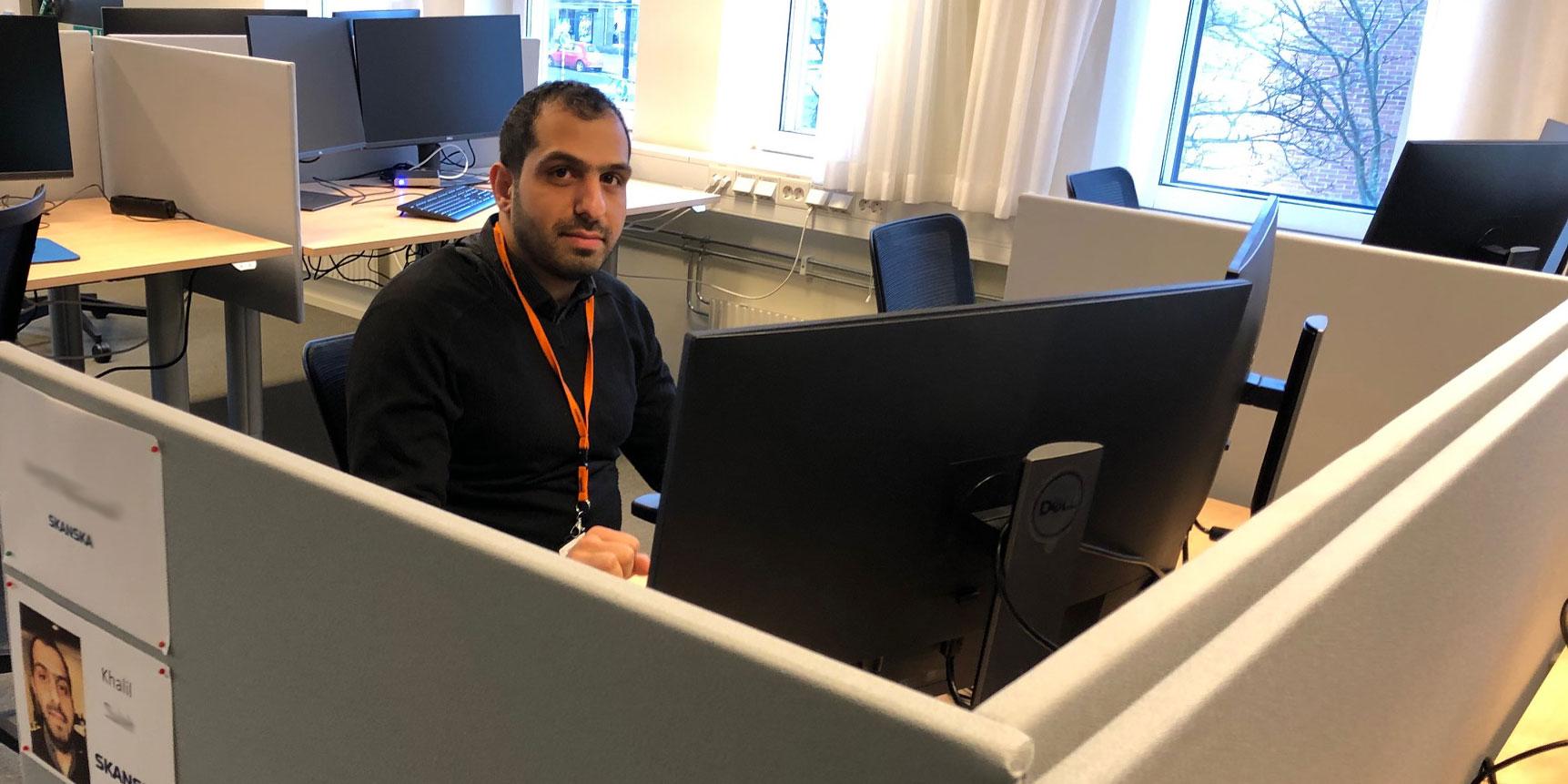 Khalil som fått jobb tack vare sociala klausuler
